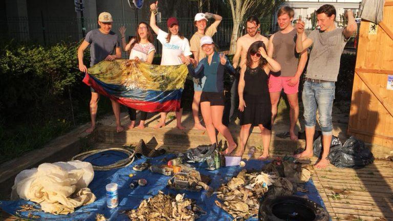 Photo de groupes des participants à la collecte de déchets de Joinville